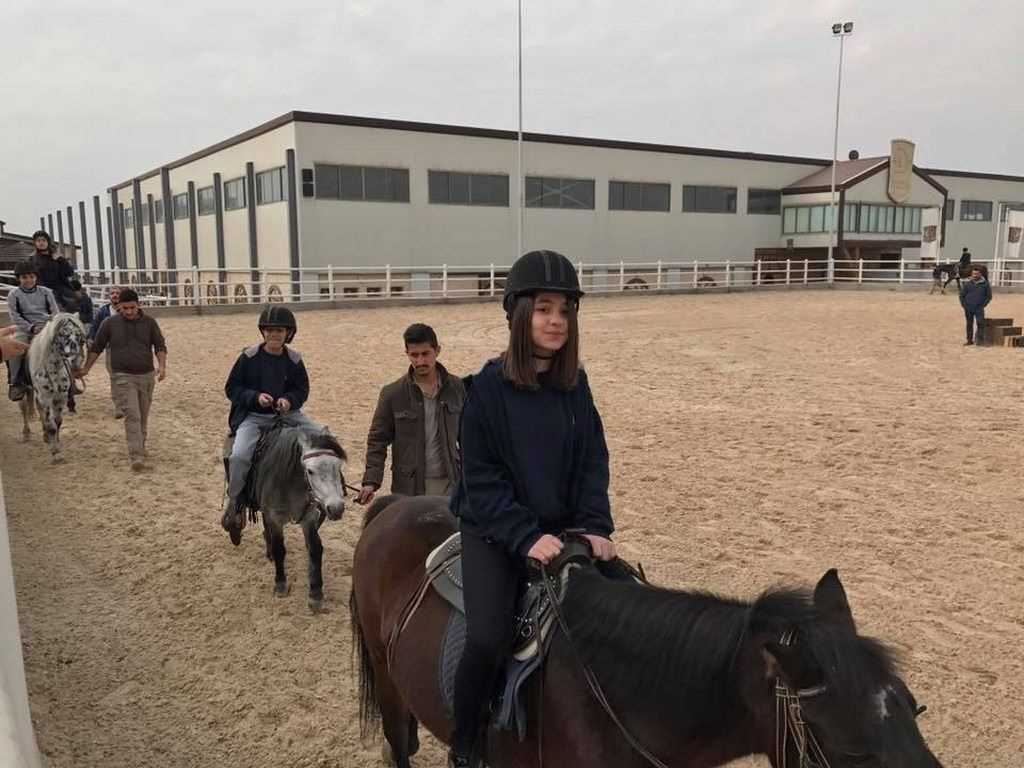 FMIS Students Visit the Erbil International Equestrian Club