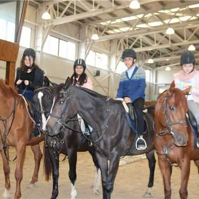 FAKHIR MERGASORI INTERNATIONAL SCHOOL GR.7 STUDENTS ENJOY HORSEBACK RIDING