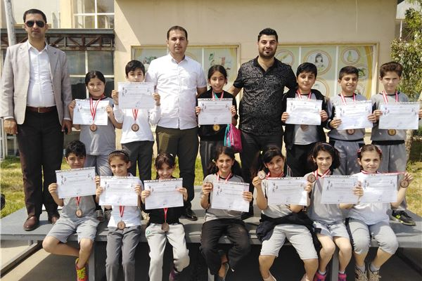 FMIS STUDENTS RECEIVE PERFORMANCE CERTIFICATES